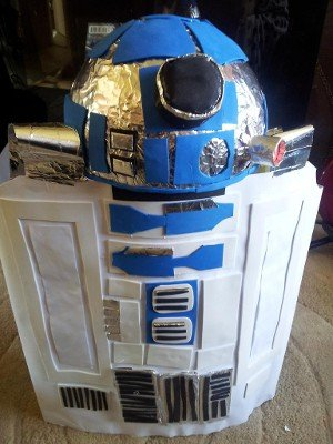 Make an R2D2 costume out of a cardboard box